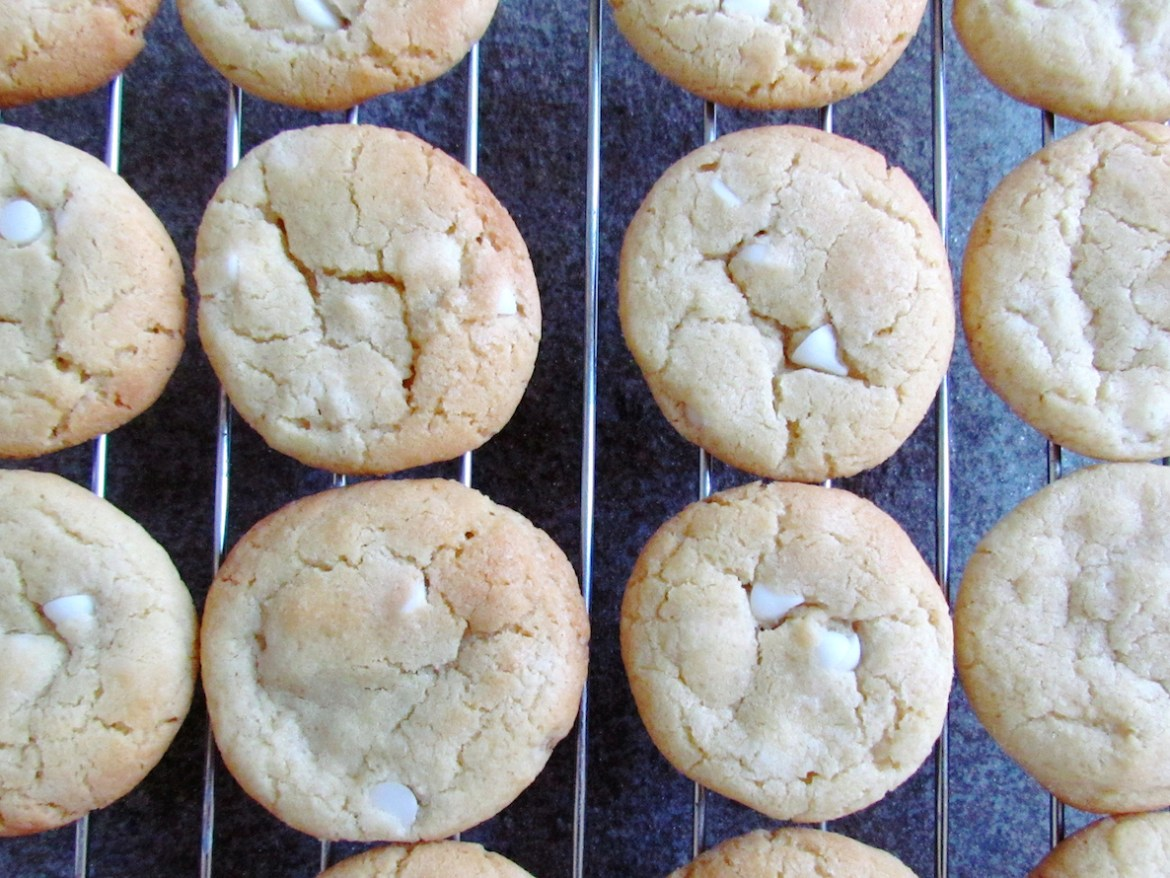 white-chocolate-chip-cookies-2