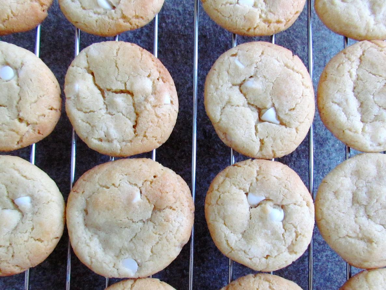 white-chocolate-chip-cookies-2