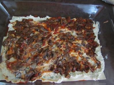 assembling lasagna | www.savormania.com