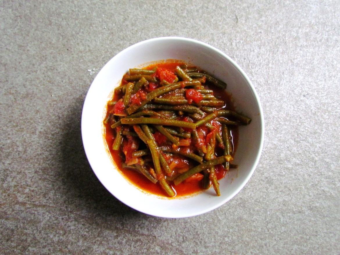 syrian-string-beans-with-spiced-tomato-sauce