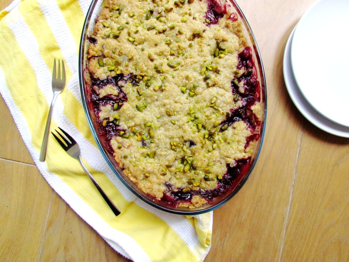 summer berry crumble | www.savormania.com