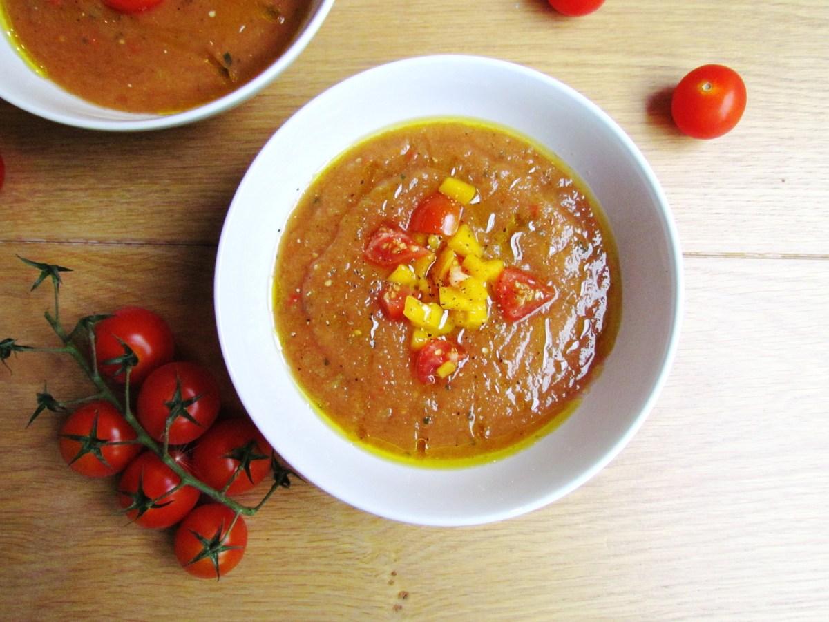 gazpacho à la tomate avec un ingrédient surprise   www.savormania.com