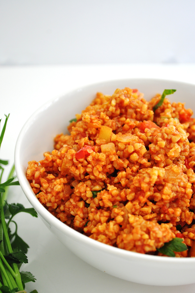 pilaf de boulgour aux tomates et poivrons   www.savormania.com