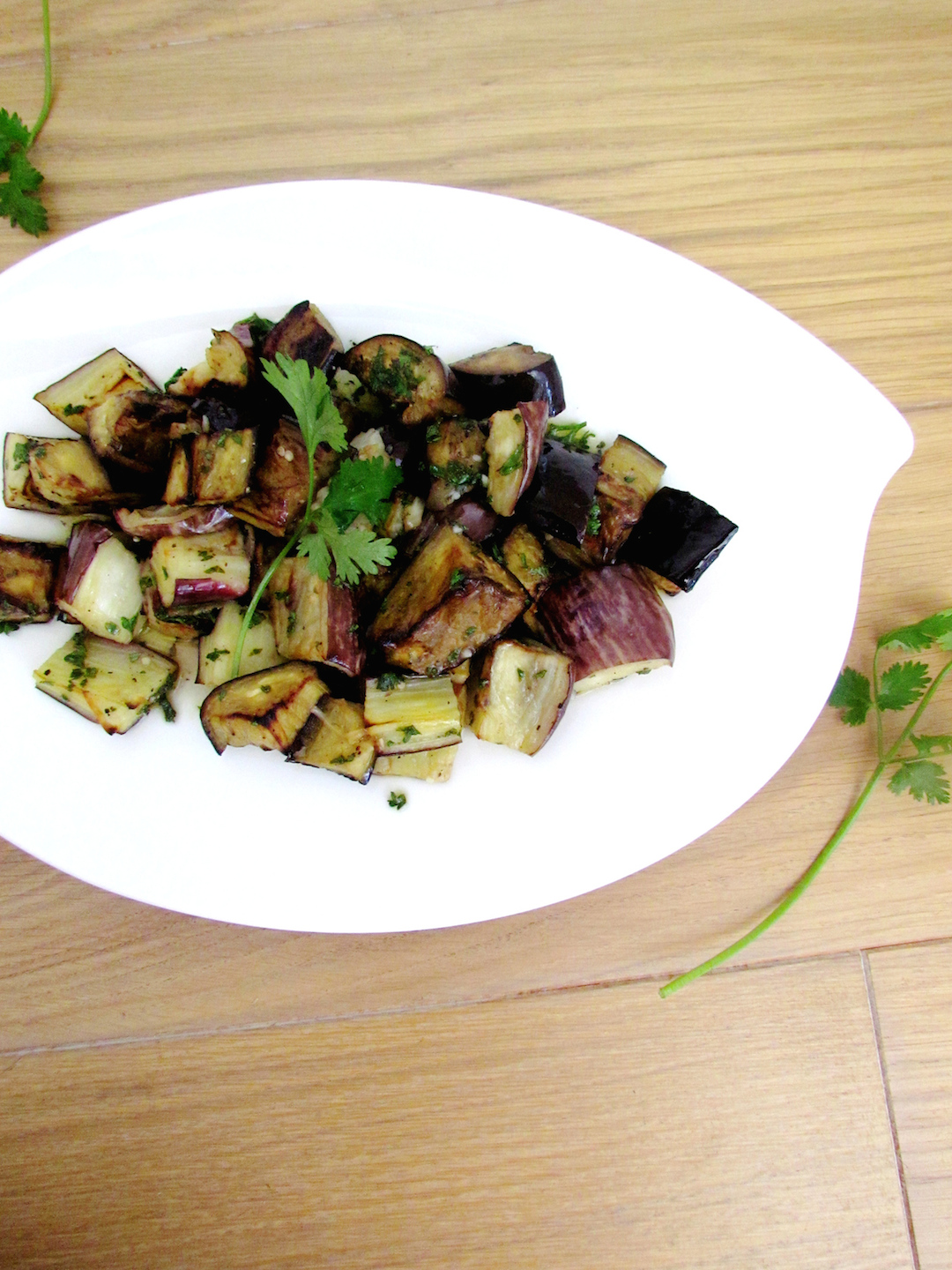 roasted and marinated eggplants with herbs | www.savormania.com