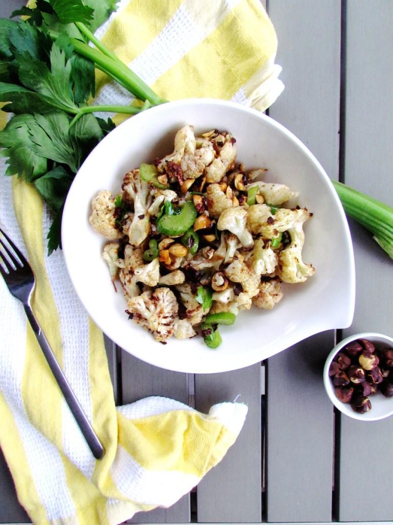 roasted cauliflower and hazelnut salad   www.savormania.com