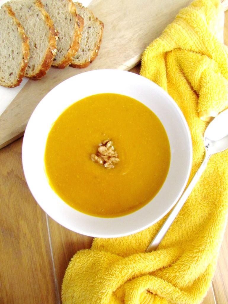 soupe à la courge rôtie et noix | www.savormania.com
