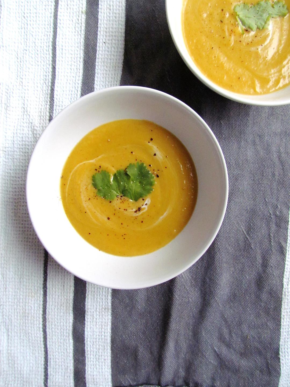 soupe de chou-fleur orange aux épices | www.savormania.com