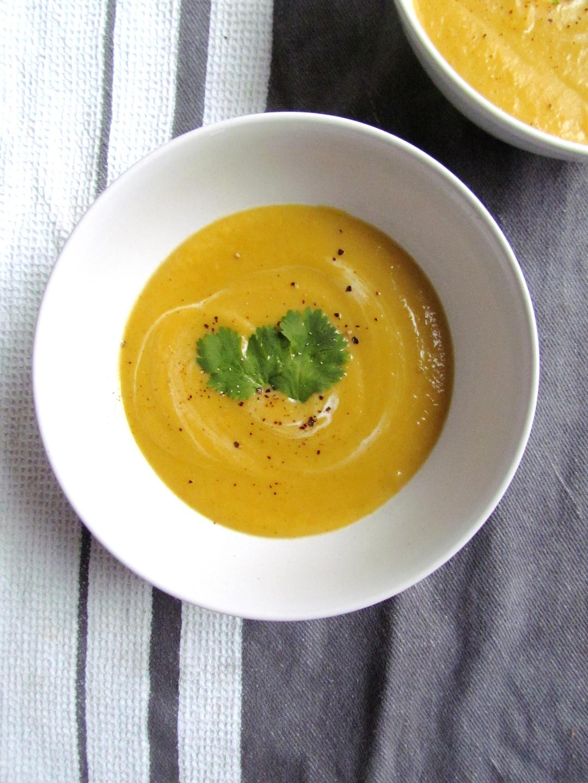 soupe de chou-fleur orange aux épices