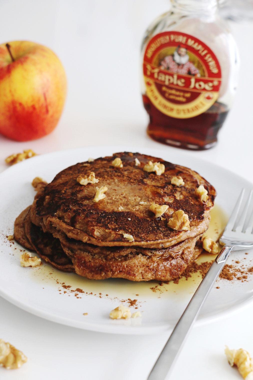 pancakes aux flocons d'avoine et pommes