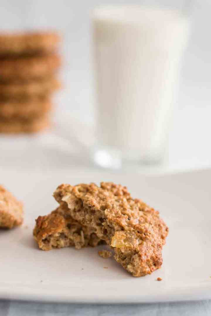 Healthy Pina Colada Oatmeal Cookies | savorynothings.com