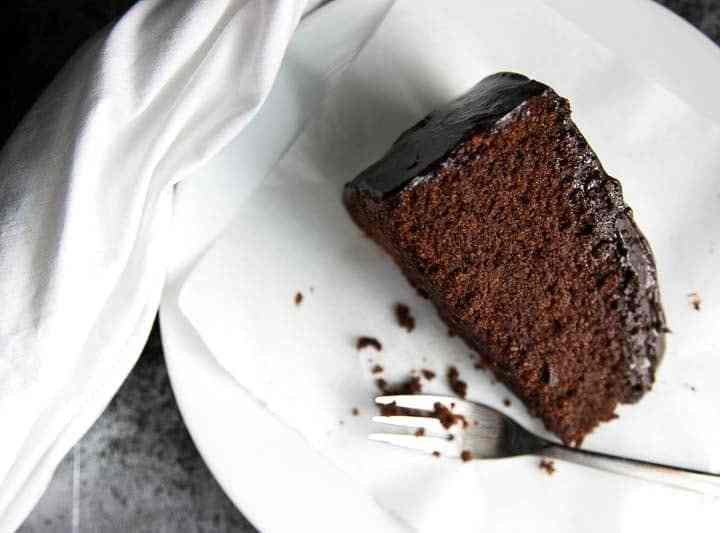 This is the easiest Chocolate Honey Cake recipe you'll ever find! One bowl, ten ingredients and NO mixer required! Chocolate cake bliss.  savorynothings.com