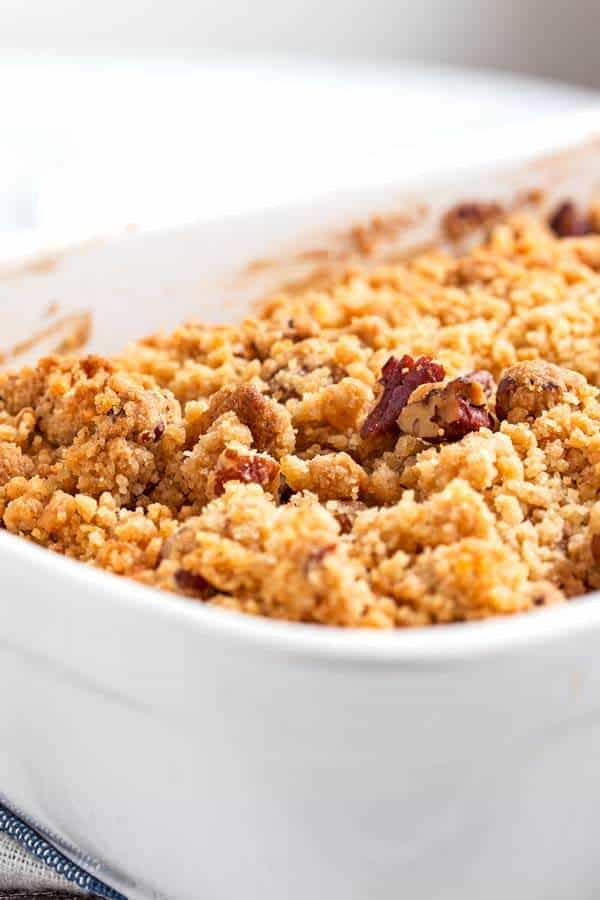 The crumb topping on this easy sweet potato cake is absolutely amazing!
