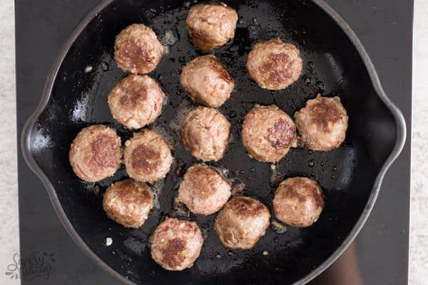 How to make meatballs from scratch: Pan frying.