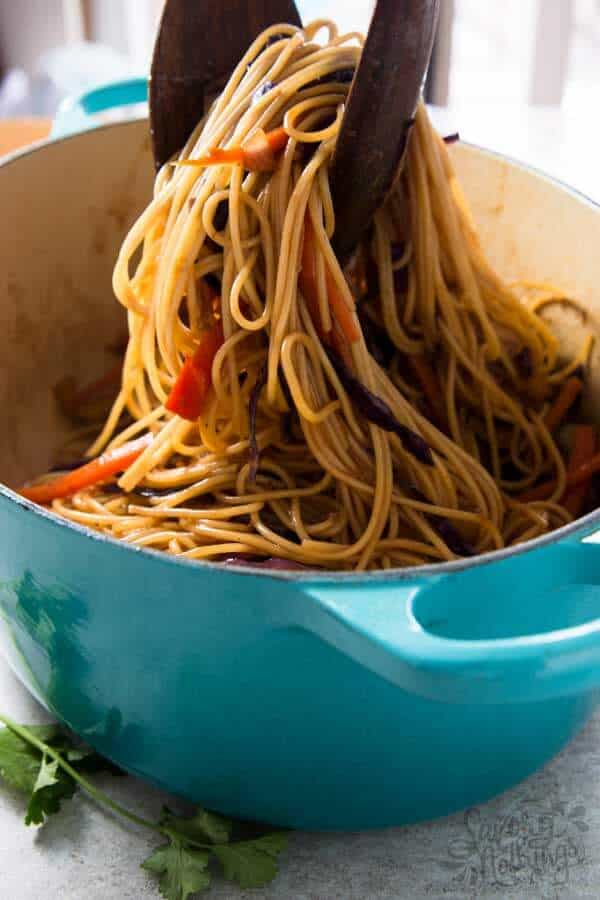 The easiest chicken noodles that are ready in less than 30 minutes and pack a huge dose of vegetables: Honey Garlic Chicken Stir Fry Noodles