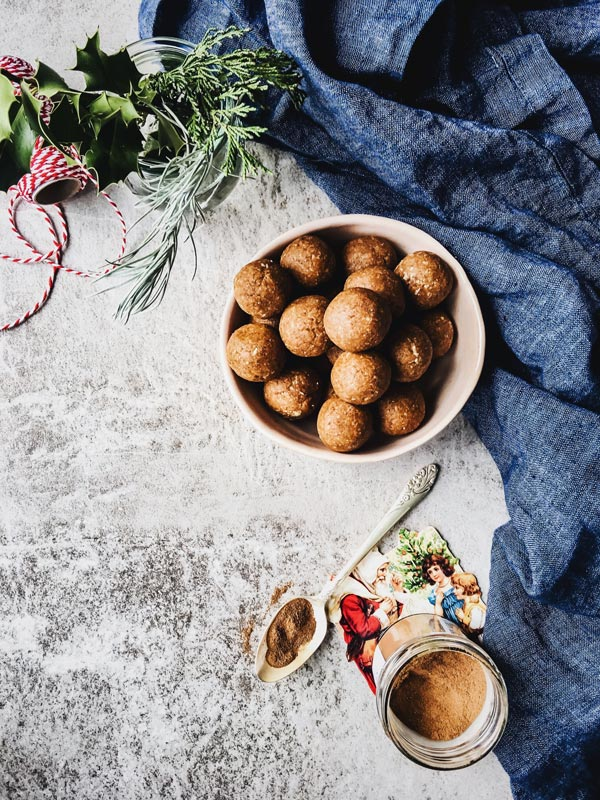 No Bake Cinnamon Energy Bites are a healthy treat for the Christmas season. A great snacking idea - and they're allergy friendly by being nut free, too.