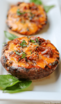 Portobello Mushroom Pizza With Prosciutto! Easy and delicious mushroom pizza that'sketo proof, 30-minute proof, low carb, and made quickly with a few ingredients. #portobellomushroompizza #mushroompizza #prosciuttopizza #prosciutto #weeknightmeals #weeknightdinner #pizza #portobellopizza