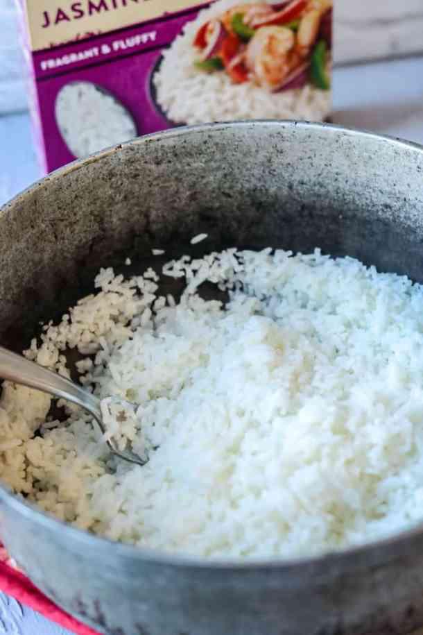 salmon rice bowl - Cooked white rice