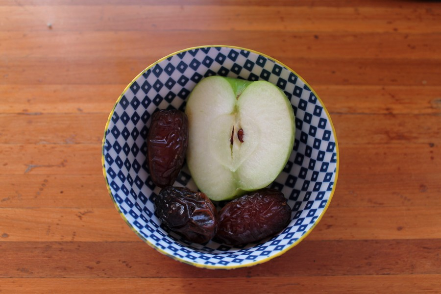 snack vegan fruits
