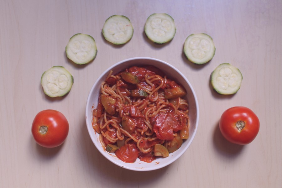 one pot pasta courgette tomate