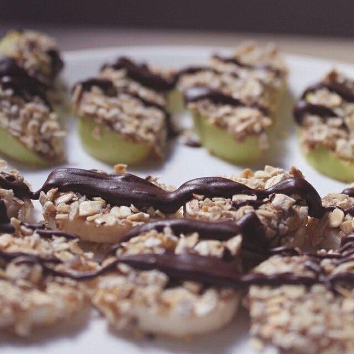 C'est l'heure du GOÛTER ! La vidéo et l'article sur mon goûter préféré du moment sont en liiiiigne. Quel est le votre ? Aussi, n'oubliez pas de vous abonner à la newsletter qui sera envoyée en début de semaine prochaine (avec des bonus spéciaux à l'intérieur !). #snack #gouter #healthy #vegan #vegetarian #recette #video #youtube #blog #recipe #veganfoodshare