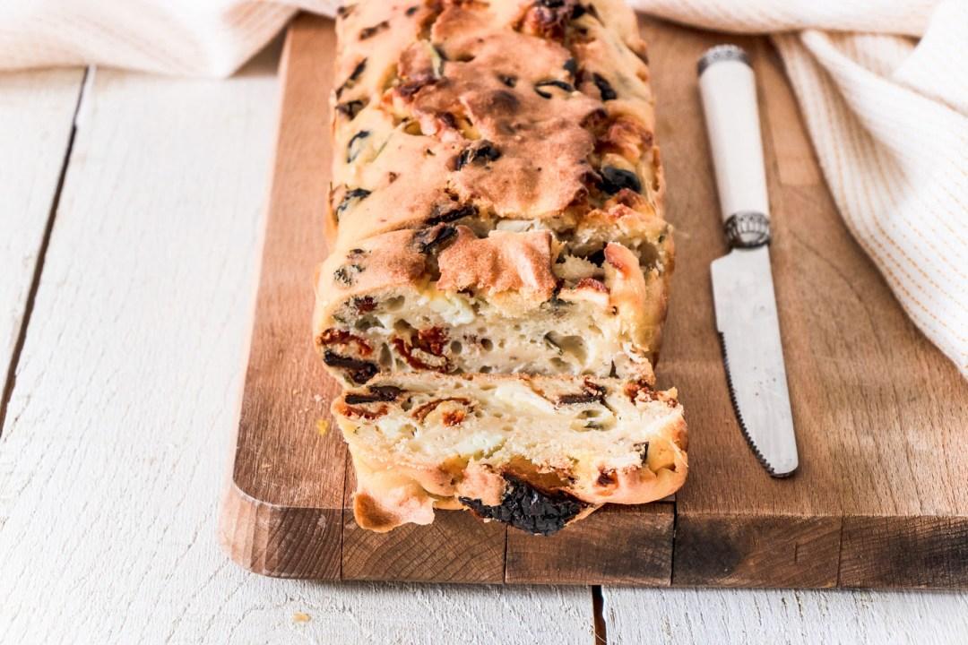 cake-sale-tomates-olives-feta-blog-4