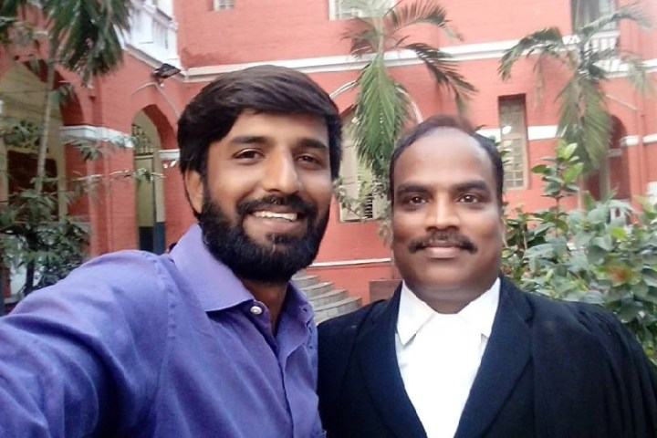 பத்திரிக்கையாளர் ஷபீர் மற்றும் உயர்நீதிமன்ற வழக்கறிஞர் ரமேஷ்