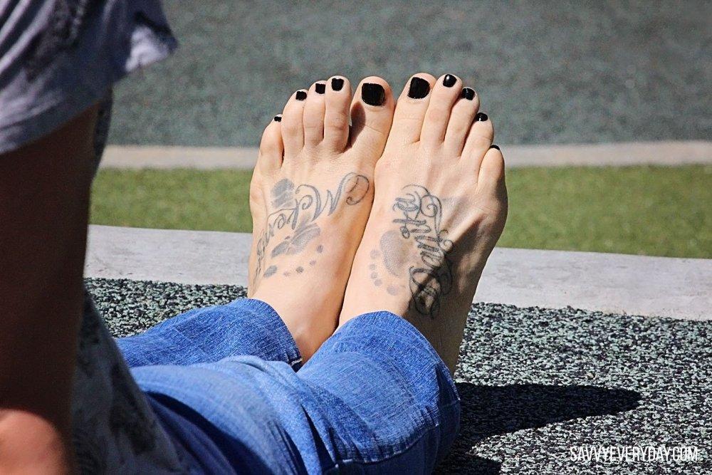 lisa feet_logo