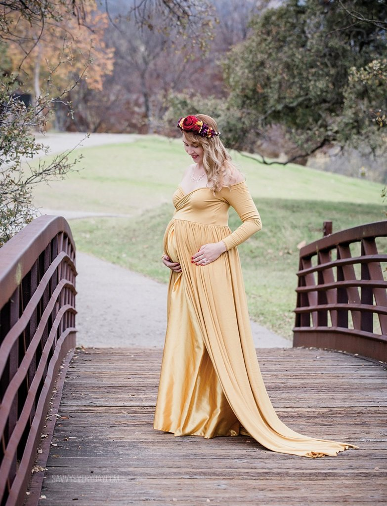 maternity photo on a pretty bridge