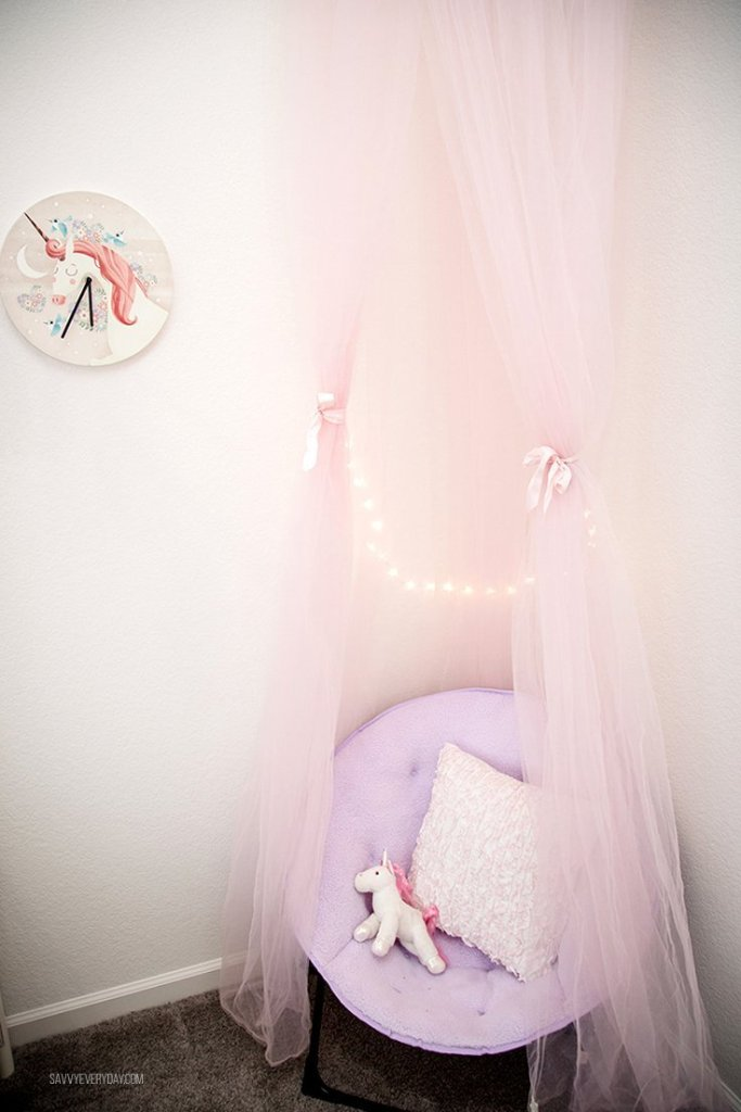Unicorn reading nook and unicorn clock