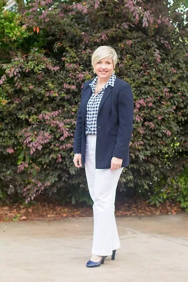 navy blazer white pants office outfit