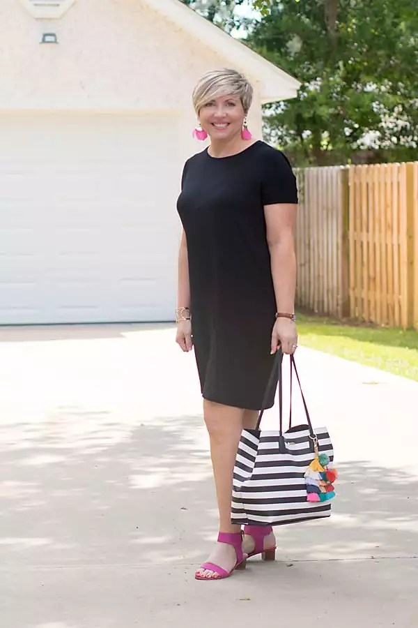 summer outfit with black tshirt dress
