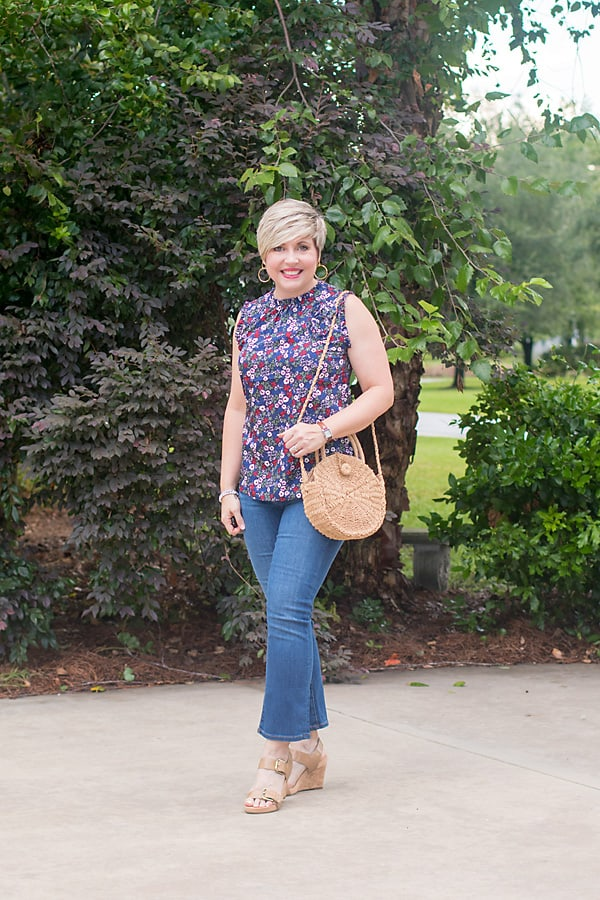 crop flare jeans, floral shell, summer outfit