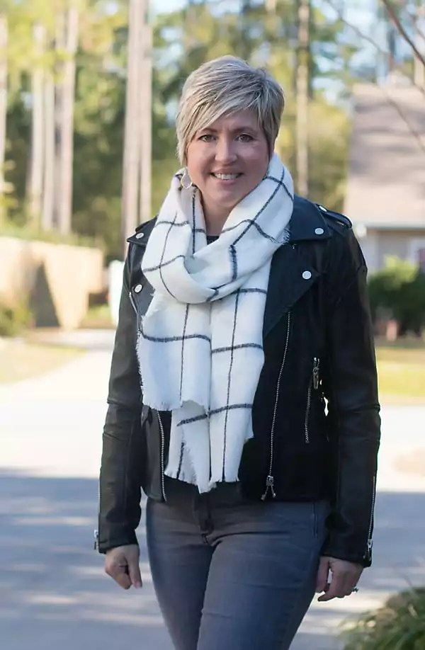 Soft and cozy black and white window a pane scarf
