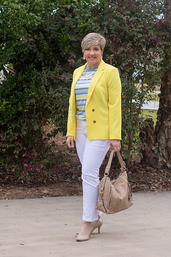 white jeans outfits with striped tee and blazer