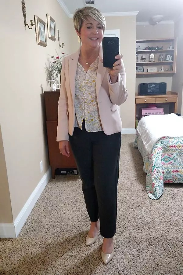 womens work outfit