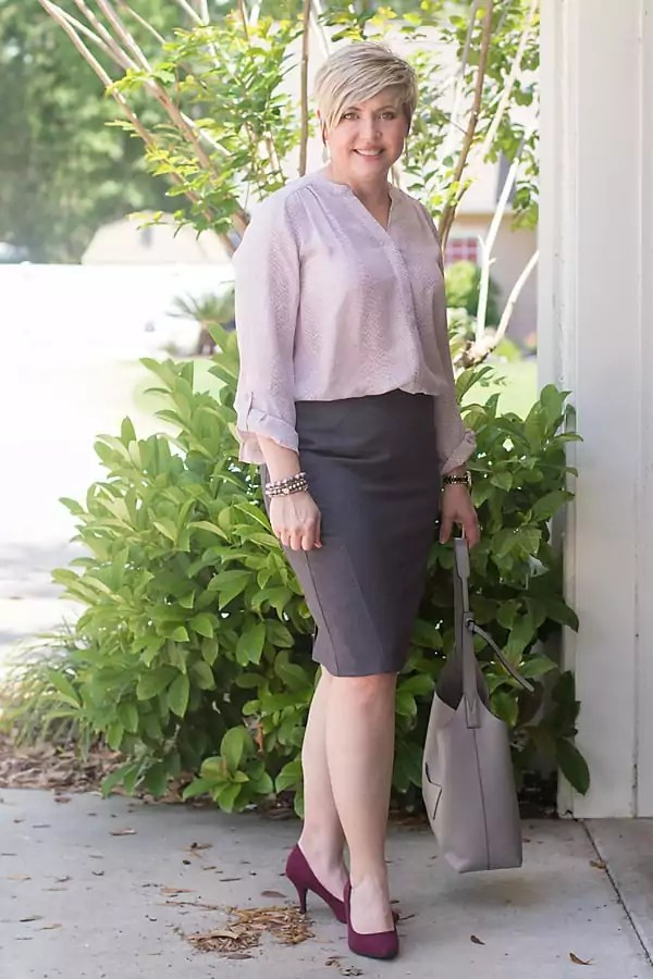 python print blouse with pencil skirt
