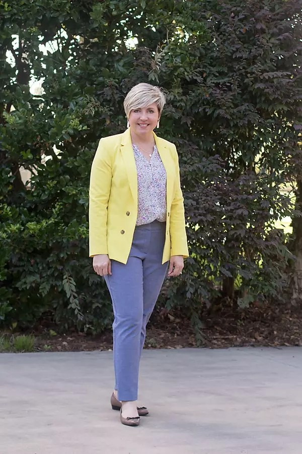 colorful summer blazer work outfit