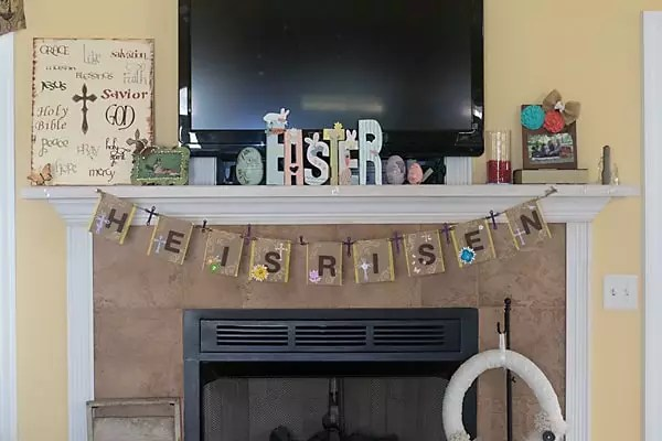 Easter He is Risen paper banner