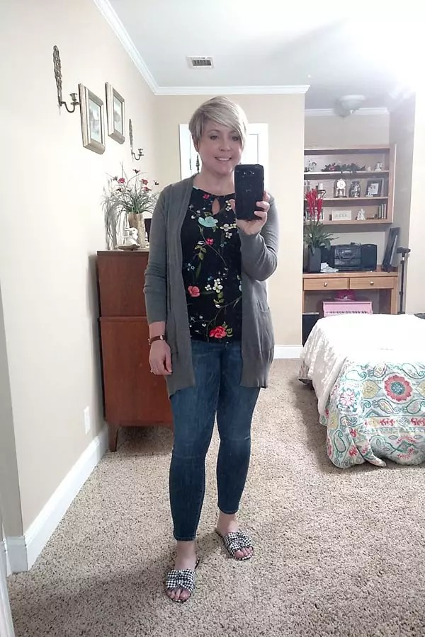 grey cardigan spring outfit