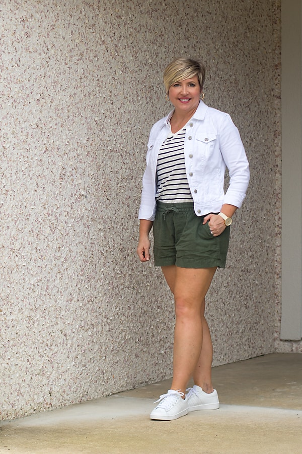 summer outfit for women over 40