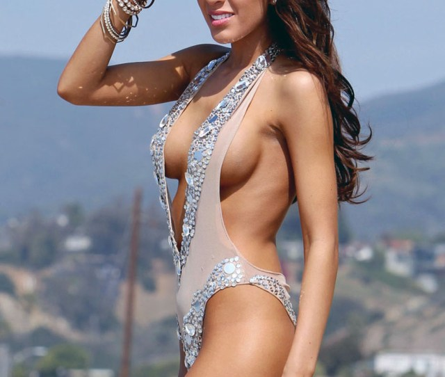 Exclusive Teen Mom Star Farrah Abraham Takes A Walk On The Beach To Contemplate The Latest News About Her Filming A Sex Tape With Porn Star James Deen