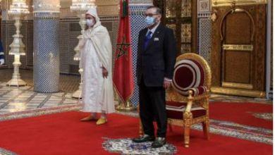 صورة الملك محمد السادس يستقبل ويعين رسميا أعضاء الحكومة الجديدة تضم 24 وزيراً من بينهم 7 سيدات