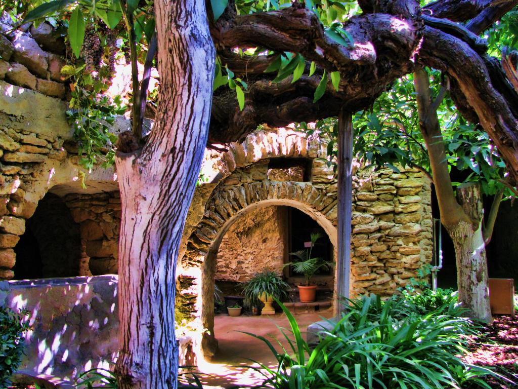 نتيجة بحث الصور عن حديقة قبلة الفرنسية في اكاروا، كرايستشيرش، نيوزيلندا