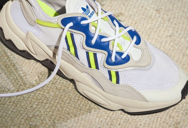 حذاء OZWEEGO  المستوحى من التسعينات