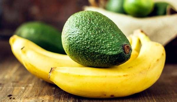 قناع الموز والأفوكادو