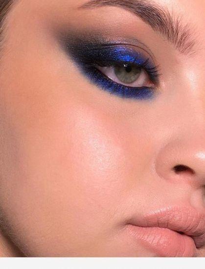 مكياج سموكي أزرق