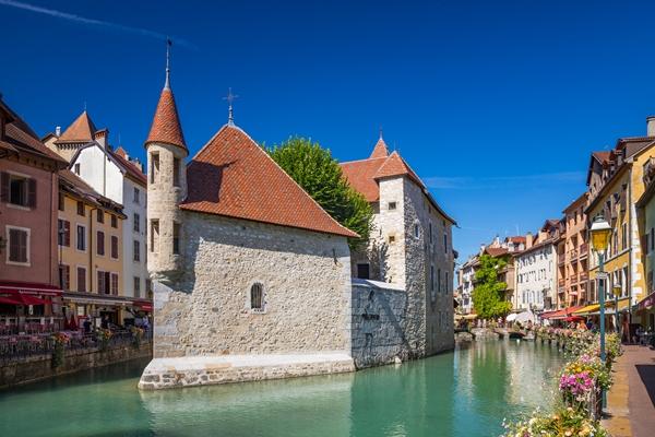 أجمل الأماكن السياحية في آنسي الفرنسية