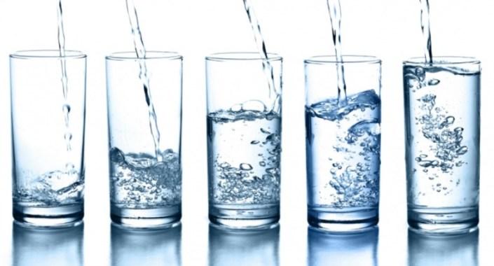 لا تهملي شرب كميات وفيرة من الماء في اليوم