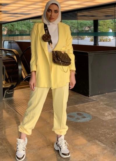 عائشة العقيل بإطلالة جراحية - الصورة من حسابها على إنستجرام