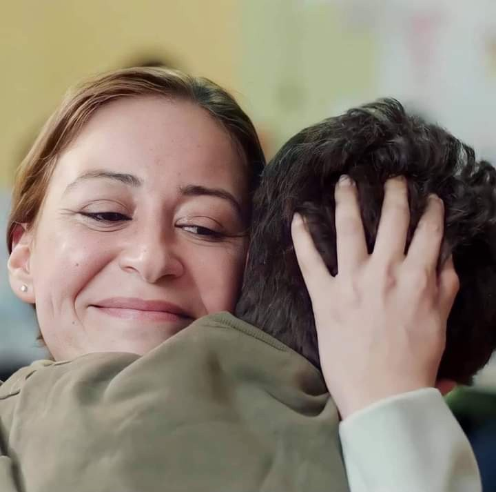 منة شلبي في مشهد من المسلسل- بوستر المسلسل- الصورة من حساب الشركة المنتجة على الفيس بوك.jpg